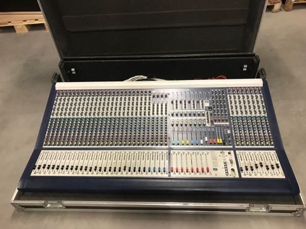 Soundcraft MH-2 mixing console