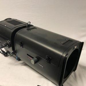 RJ 714SX Zoom Profile 2000W G22 15/40gr.